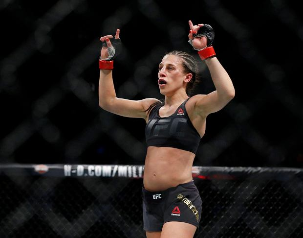 Jessica Andrade will face champion Joanna Jedrzejczyk at UFC 211
