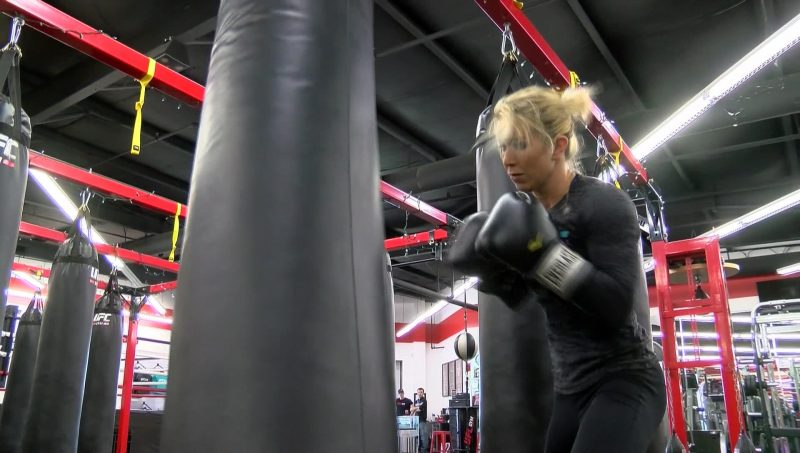 ICYMI: MMA fighter Mandy Polk helps woman during Downtown Memphis robbery